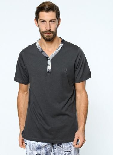 Tişört-Clarious
